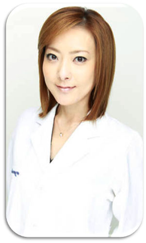 西川史子,医師免許,医師法違反,若い頃,車いす若い頃,白衣
